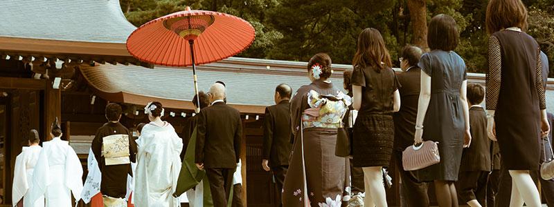 結婚式における家族の服装